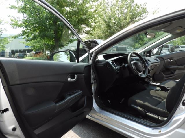 2015 Honda Civic SE / Sedan / Backup camera / Spoiler / 1-OWNER - Photo 13 - Portland, OR 97217