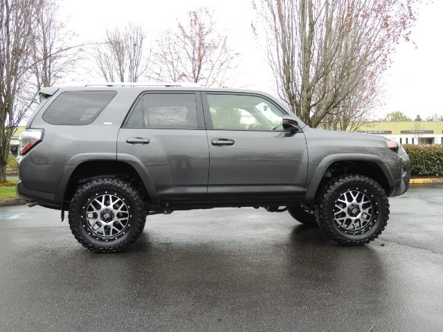 2016 Toyota 4Runner 4WD / V6 / 3RD SEAT / FACTORY WARRANTY / LIFTED !! - Photo 4 - Portland, OR 97217