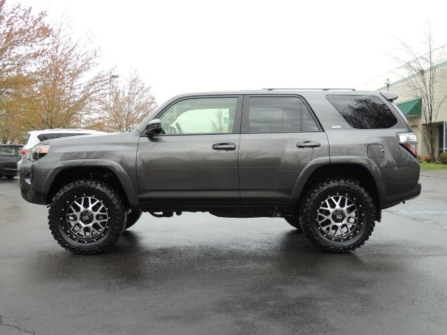 2016 Toyota 4Runner 4WD / V6 / 3RD SEAT / FACTORY WARRANTY / LIFTED !! - Photo 3 - Portland, OR 97217