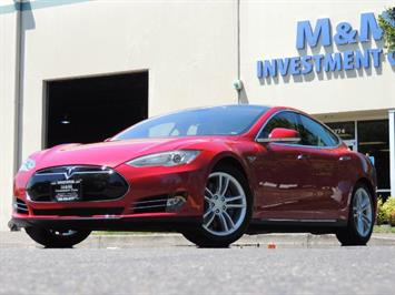 2014 Tesla Model S 85 / Leather / Heated seats / Panorama Roof / Navi Sedan