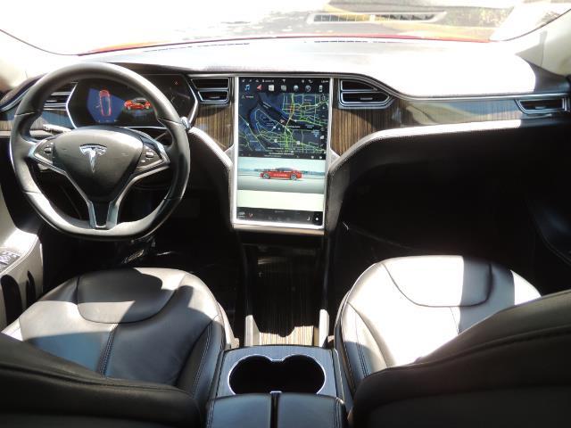 2014 Tesla Model S 85 / Leather / Heated seats / Panorama Roof / Navi - Photo 18 - Portland, OR 97217