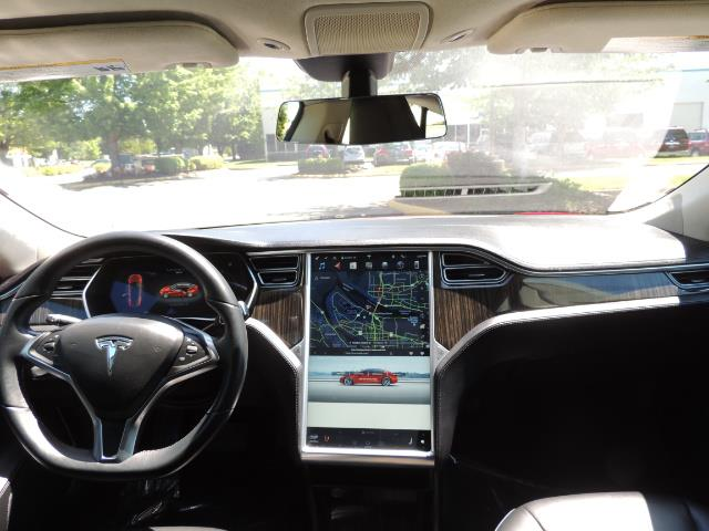 2014 Tesla Model S 85 / Leather / Heated seats / Panorama Roof / Navi - Photo 17 - Portland, OR 97217