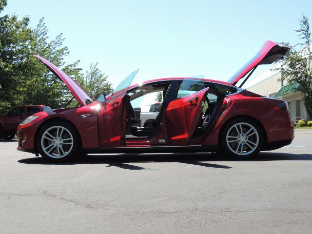 2014 Tesla Model S 85 / Leather / Heated seats / Panorama Roof / Navi - Photo 26 - Portland, OR 97217