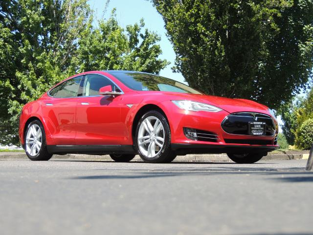 2014 Tesla Model S 85 / Leather / Heated seats / Panorama Roof / Navi - Photo 2 - Portland, OR 97217