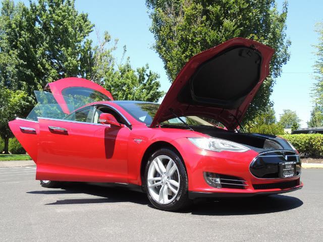 2014 Tesla Model S 85 / Leather / Heated seats / Panorama Roof / Navi - Photo 31 - Portland, OR 97217