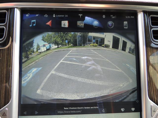 2014 Tesla Model S 85 / Leather / Heated seats / Panorama Roof / Navi - Photo 21 - Portland, OR 97217