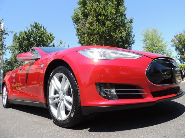 2014 Tesla Model S 85 / Leather / Heated seats / Panorama Roof / Navi - Photo 10 - Portland, OR 97217