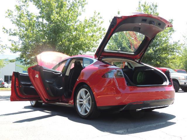 2014 Tesla Model S 85 / Leather / Heated seats / Panorama Roof / Navi - Photo 27 - Portland, OR 97217