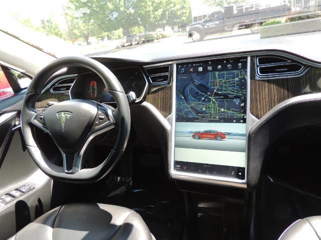 2014 Tesla Model S 85 / Leather / Heated seats / Panorama Roof / Navi - Photo 37 - Portland, OR 97217