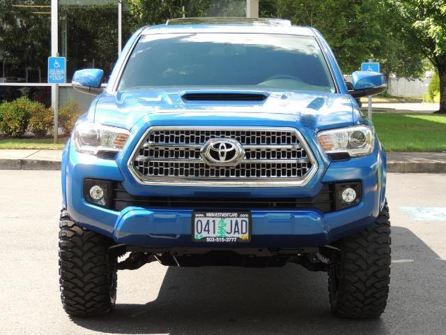 2016 Toyota Tacoma TRD Sport 4X4 / Navi / Long Bed / 14Kmile / LIFTED - Photo 5 - Portland, OR 97217