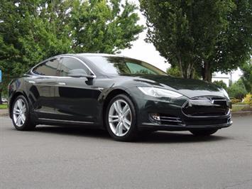 2013 Tesla Model S Tech Package / 5YR TESLA EXTENDED WARRANTY INCLUDE Sedan