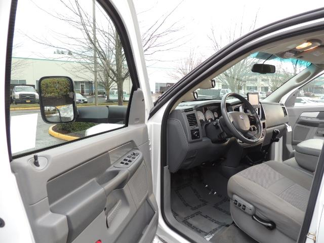 2007 Dodge Ram 3500 DUALLY 4X4 Mega Cab / 5.9 DIESEL / 6-Speed LIFTED - Photo 13 - Portland, OR 97217