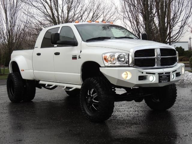 2007 Dodge Ram 3500 DUALLY 4X4 Mega Cab / 5.9 DIESEL / 6-Speed LIFTED - Photo 2 - Portland, OR 97217