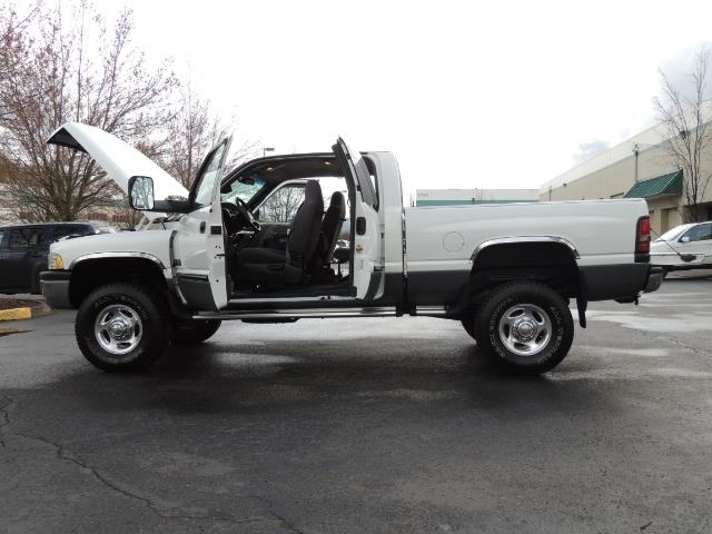 2002 Dodge Ram 2500 SLT Plus 4dr / 4X4 / 5.9L DIESEL HIGHOUTPUT/ 6-SPD - Photo 11 - Portland, OR 97217