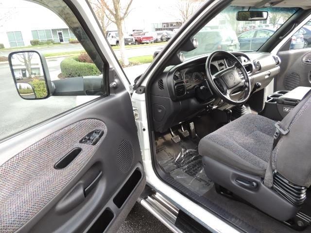 2002 Dodge Ram 2500 SLT Plus 4dr / 4X4 / 5.9L DIESEL HIGHOUTPUT/ 6-SPD - Photo 13 - Portland, OR 97217