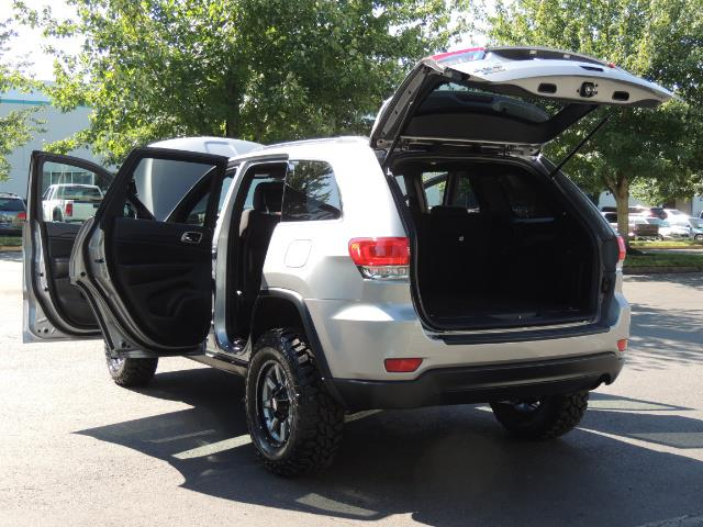 2015 Jeep Grand Cherokee Laredo / 4WD / 18K miles / LIFTED LIFTED - Photo 27 - Portland, OR 97217