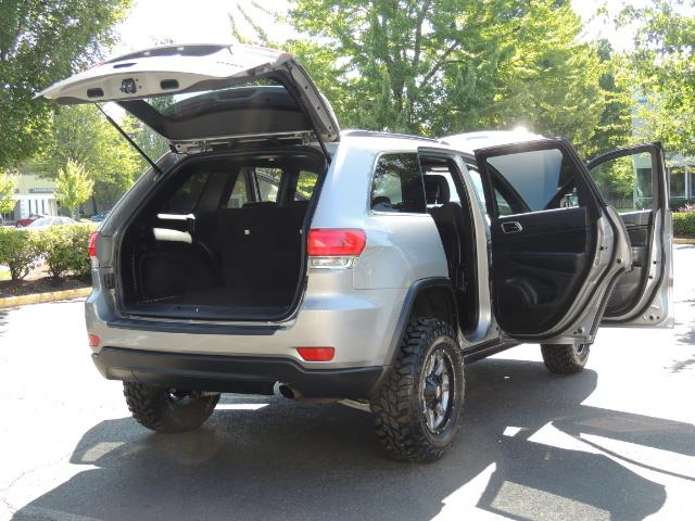 2015 Jeep Grand Cherokee Laredo / 4WD / 18K miles / LIFTED LIFTED - Photo 29 - Portland, OR 97217