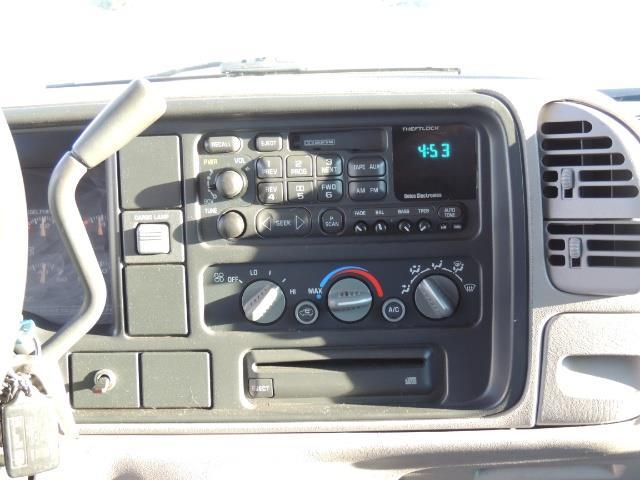 1995 GMC Sierra 3500 4X4 DUALLY /  Long Bed / TURBO DIESEL / 122K MIles - Photo 20 - Portland, OR 97217