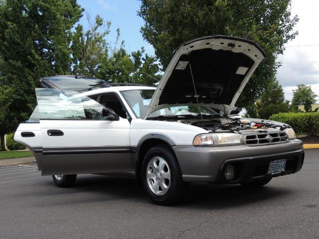 1999 Subaru Legacy Outback / Sport / Wagon / AWD / 5-SPEED / Excel Co - Photo 31 - Portland, OR 97217