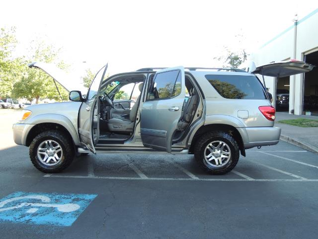 2005 Toyota Sequoia Limited 4WD /8 Seats/DVDs/Fresh Timing Belt LIFTED - Photo 21 - Portland, OR 97217