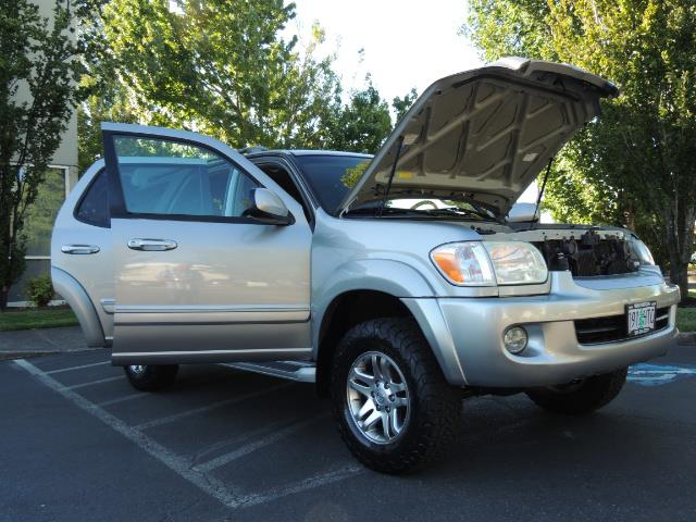 2005 Toyota Sequoia Limited 4WD /8 Seats/DVDs/Fresh Timing Belt LIFTED - Photo 29 - Portland, OR 97217