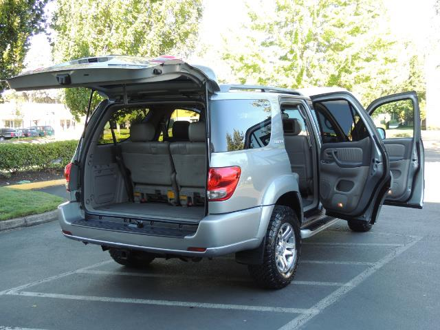 2005 Toyota Sequoia Limited 4WD /8 Seats/DVDs/Fresh Timing Belt LIFTED - Photo 27 - Portland, OR 97217
