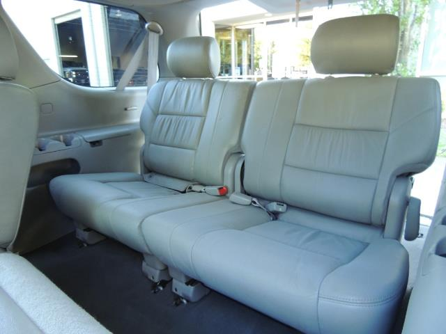 2005 Toyota Sequoia Limited 4WD /8 Seats/DVDs/Fresh Timing Belt LIFTED - Photo 14 - Portland, OR 97217