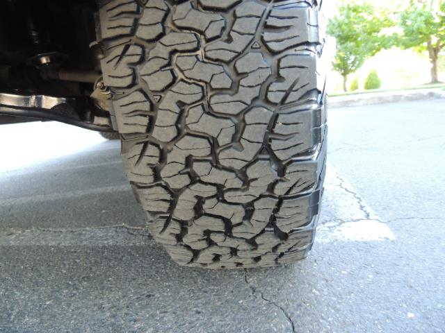 2005 Toyota Sequoia Limited 4WD /8 Seats/DVDs/Fresh Timing Belt LIFTED - Photo 24 - Portland, OR 97217