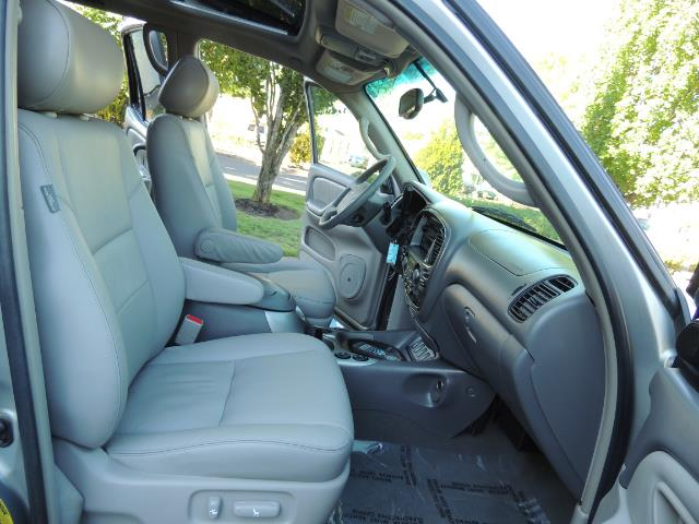 2005 Toyota Sequoia Limited 4WD /8 Seats/DVDs/Fresh Timing Belt LIFTED - Photo 18 - Portland, OR 97217