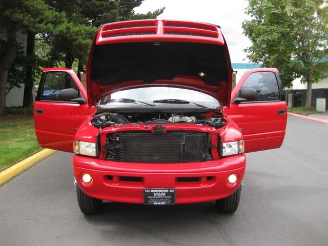 2001 Dodge Ram 3500 SLT Plus/5.9L Turbo Diesel/4X4/DUALLY - Photo 17 - Portland, OR 97217