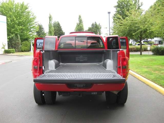 2001 Dodge Ram 3500 SLT Plus/5.9L Turbo Diesel/4X4/DUALLY - Photo 12 - Portland, OR 97217