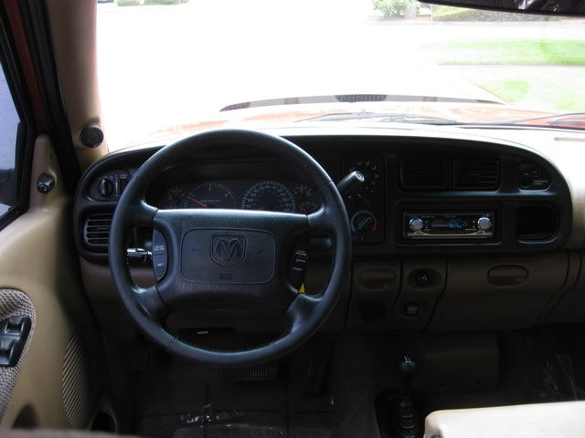 2001 Dodge Ram 3500 SLT Plus/5.9L Turbo Diesel/4X4/DUALLY - Photo 25 - Portland, OR 97217