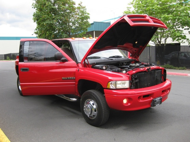2001 Dodge Ram 3500 SLT Plus/5.9L Turbo Diesel/4X4/DUALLY - Photo 16 - Portland, OR 97217