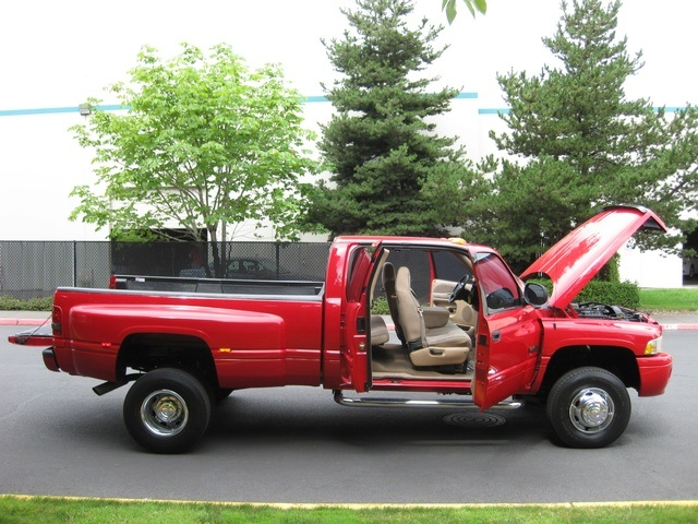 2001 Dodge Ram 3500 SLT Plus/5.9L Turbo Diesel/4X4/DUALLY - Photo 15 - Portland, OR 97217