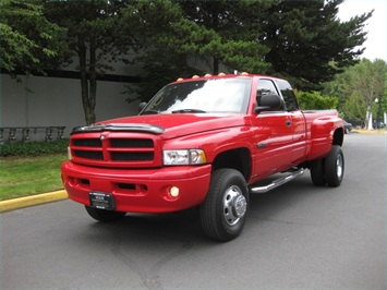 2001 Dodge Ram 3500 SLT Plus/5.9L Turbo Diesel/4X4/DUALLY - Photo 1 - Portland, OR 97217