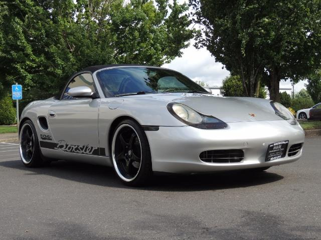2001 Porsche Boxster Convertible / 5-SPEED MANUAL / RECARO SEATS - Photo 2 - Portland, OR 97217