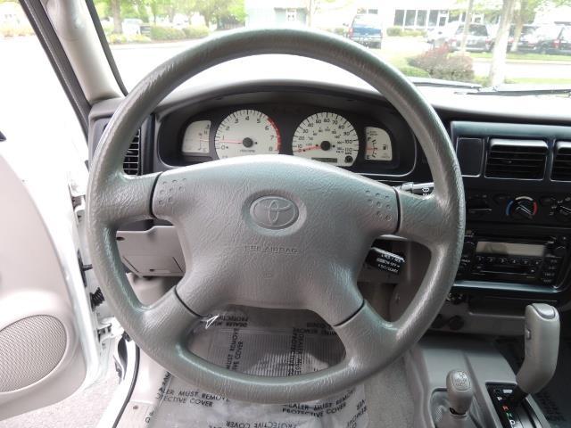 2003 Toyota Tacoma SR5 V6 / 4X4 /TRD OFF RD  REAR DIFF LOCKS / LIFTED - Photo 38 - Portland, OR 97217