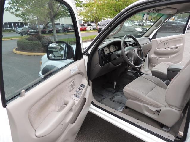 2003 Toyota Tacoma SR5 V6 / 4X4 /TRD OFF RD  REAR DIFF LOCKS / LIFTED - Photo 14 - Portland, OR 97217