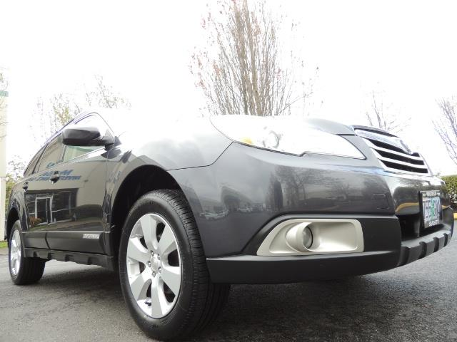 2012 Subaru Outback 2.5i Premium Wagon / ALL WHEEL DRIVE  / LOW MILES - Photo 10 - Portland, OR 97217