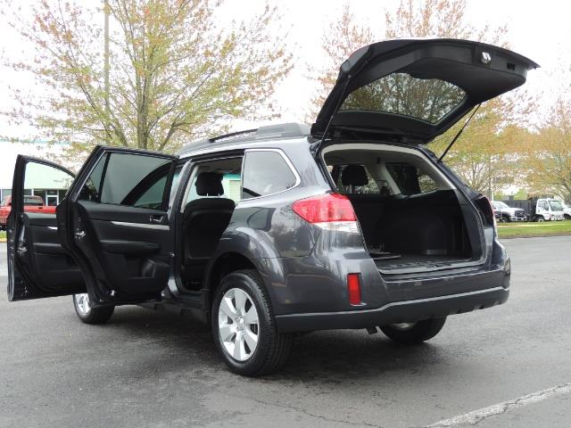 2012 Subaru Outback 2.5i Premium Wagon / ALL WHEEL DRIVE  / LOW MILES - Photo 32 - Portland, OR 97217