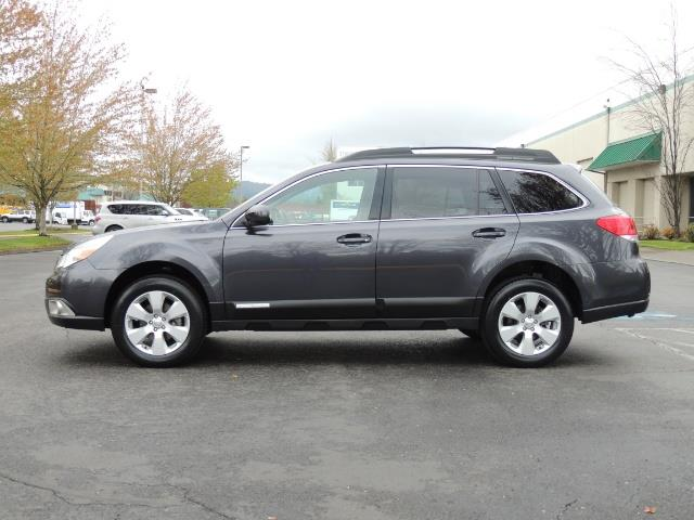 2012 Subaru Outback 2.5i Premium Wagon / ALL WHEEL DRIVE  / LOW MILES - Photo 3 - Portland, OR 97217