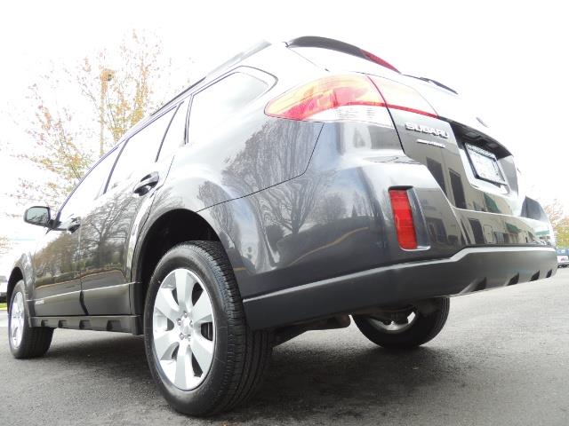 2012 Subaru Outback 2.5i Premium Wagon / ALL WHEEL DRIVE  / LOW MILES - Photo 11 - Portland, OR 97217