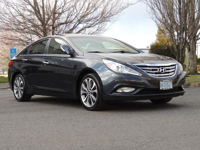 2013 Hyundai Sonata 2.0T Limited w/Navi / Leather / Loaded / 1-OWNER - Photo 2 - Portland, OR 97217