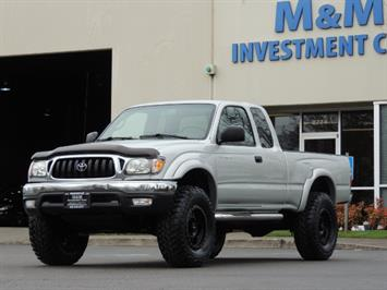 2003 Toyota Tacoma V6 2dr Xtracab / 4X4 / 3.4L / 5-SPEED / LIFTED Truck