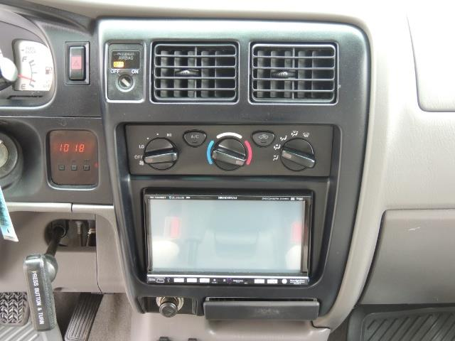 2003 Toyota Tacoma V6 2dr Xtracab / 4X4 / 3.4L / 5-SPEED / LIFTED - Photo 19 - Portland, OR 97217