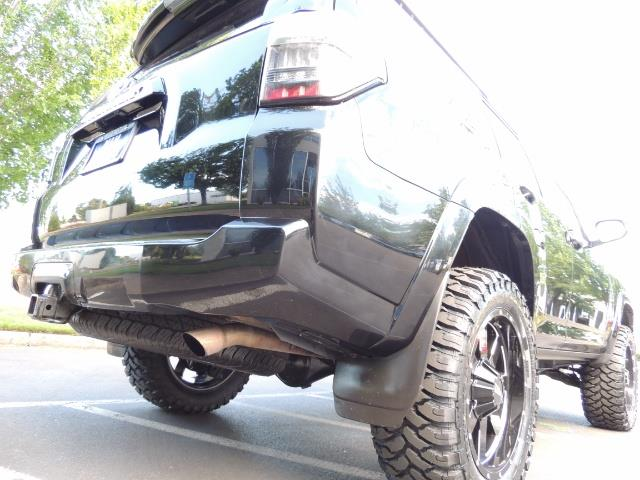 2016 Toyota 4Runner 4WD / V6 / 3RD SEAT / FACTORY WARRANTY / LIFTED !! - Photo 11 - Portland, OR 97217