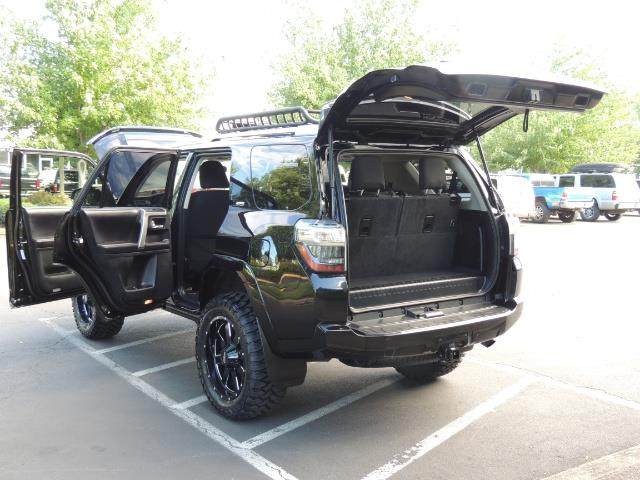 2016 Toyota 4Runner 4WD / V6 / 3RD SEAT / FACTORY WARRANTY / LIFTED !! - Photo 26 - Portland, OR 97217