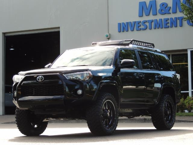 2016 Toyota 4Runner 4WD / V6 / 3RD SEAT / FACTORY WARRANTY / LIFTED !! - Photo 41 - Portland, OR 97217