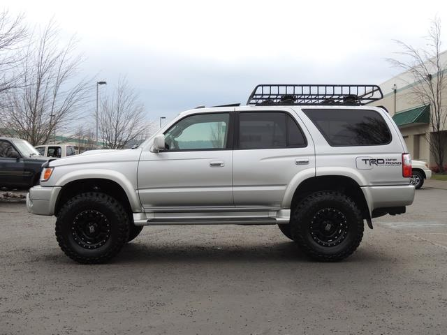 2001 Toyota 4Runner SPORT SR5 / 4X4 / Sunroof / LIFTED LIFTED - Photo 3 - Portland, OR 97217