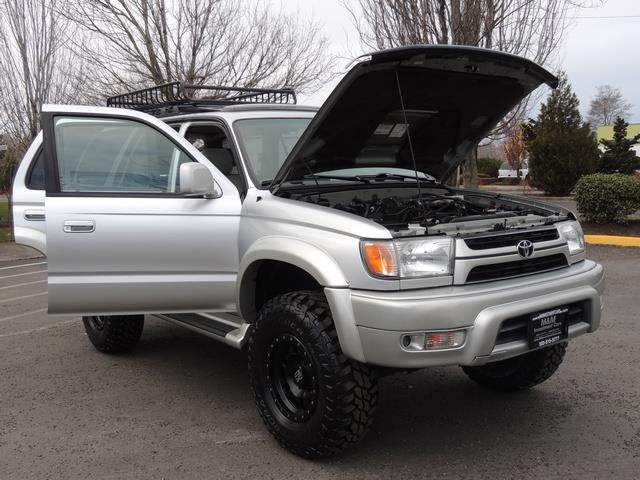 2001 Toyota 4Runner SPORT SR5 / 4X4 / Sunroof / LIFTED LIFTED - Photo 30 - Portland, OR 97217